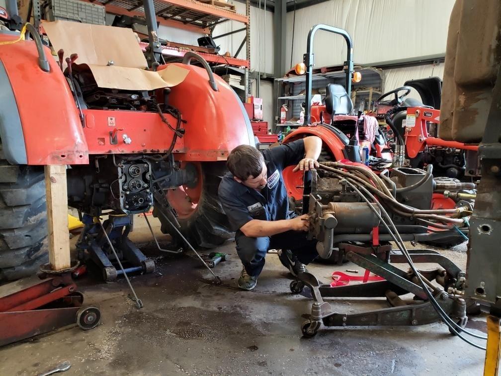 Lake Anna Tractor & Hardware